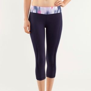 lululemon Sun Sprinter Crop Dark Navy Mirage Print